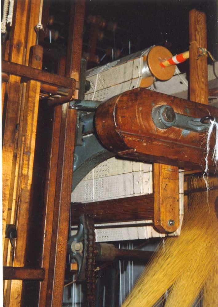 Die Lochkartensteuerung einer Jacquard-Maschine im Historischen Zentrum Wuppertal